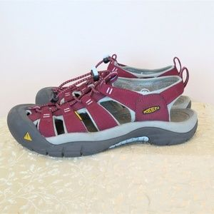 KEEN Maroon Purple Sandal Walking Shoes 9
